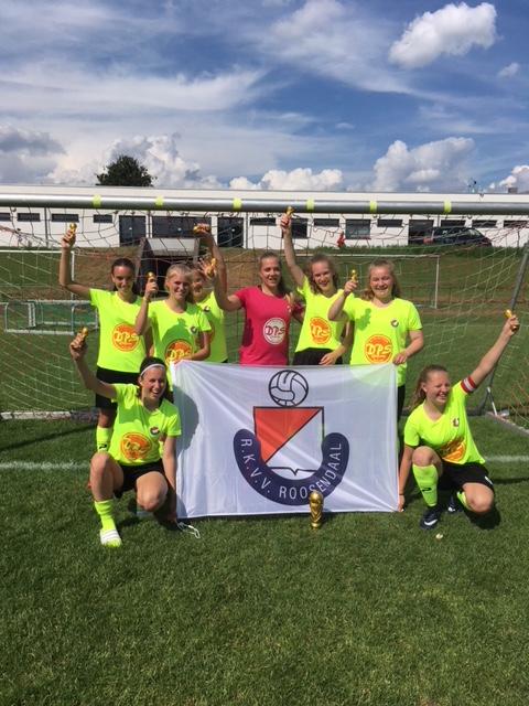 MO17-1 2e bij Girls Cup in Kaiserslautern